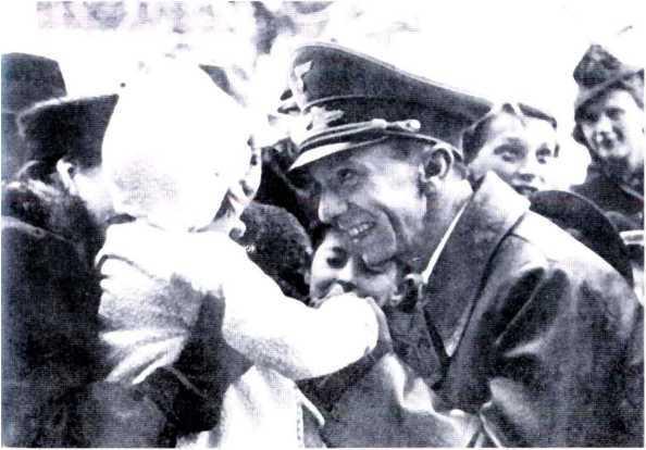 «СМЕРШ» ПРОТИВ «БУССАРДА» (Репортаж из архива тайной войны) - i_026.jpg