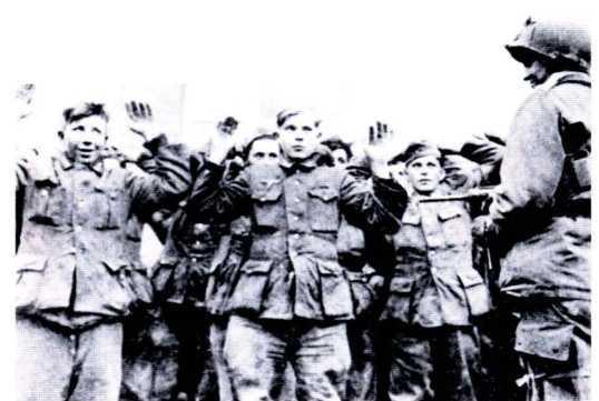 «СМЕРШ» ПРОТИВ «БУССАРДА» (Репортаж из архива тайной войны) - i_034.jpg